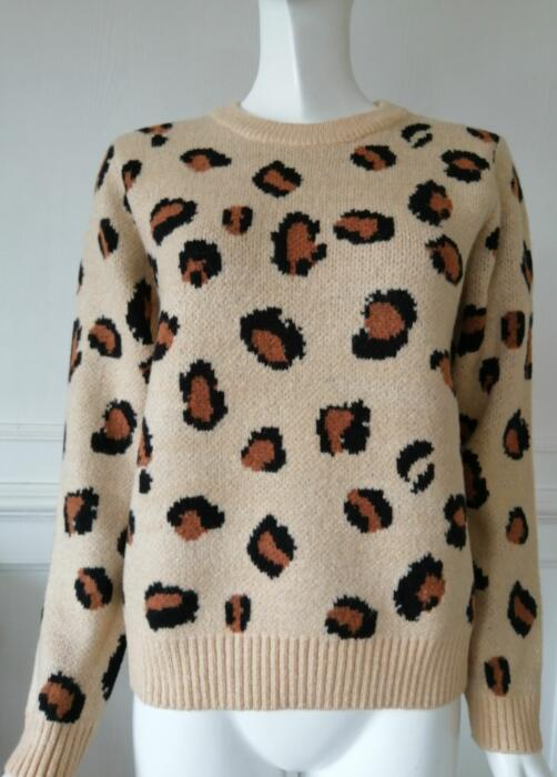 Womens knitted pullover jacquard