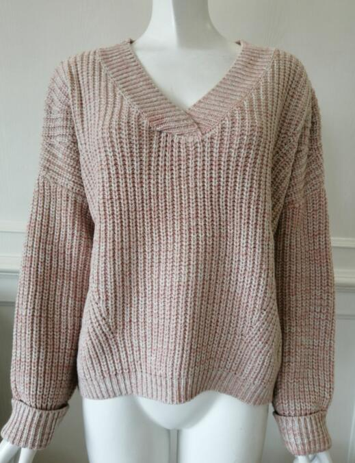 Womens knitted pullover low gauge sweater