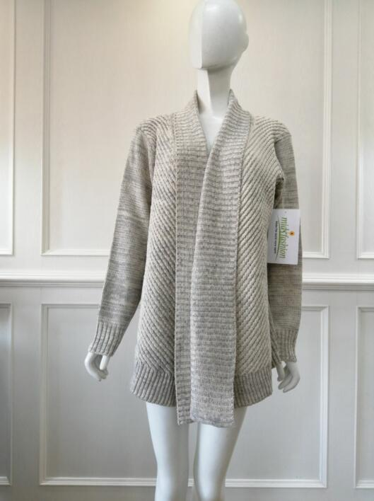 Women's knitted sweater coat knitwear china