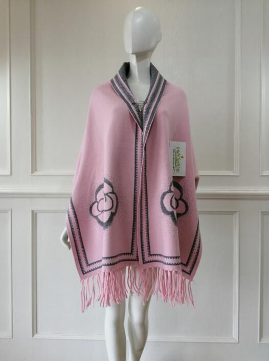 China Womens Knitted cardigan sweater