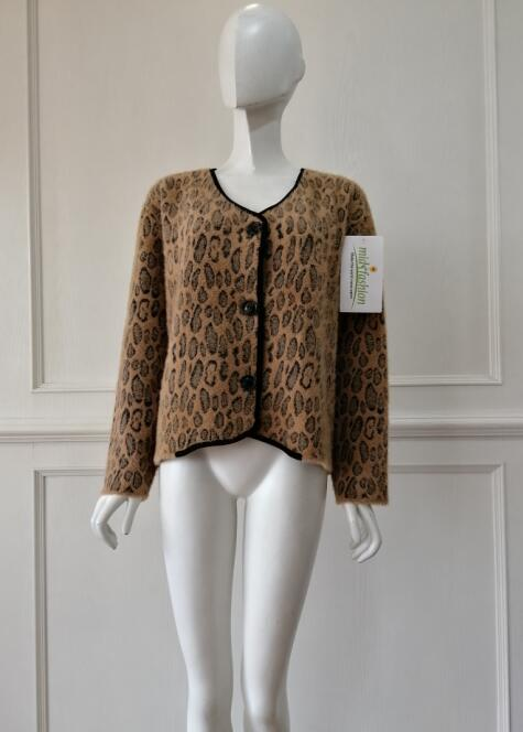 Sweater manufacturer lady's cardigan