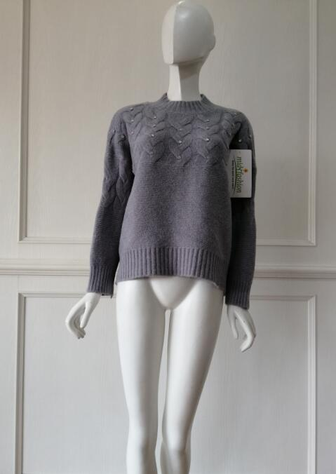 Knitted pullover china factory
